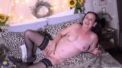 Milf Slut In Stockings Rubs Her Pussy